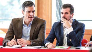 El secretario gederal del PSOE, Pedro Sánchez (i), y el secretario general del partido en Castilla y León, Luis Tudanca (Foto: Efe)