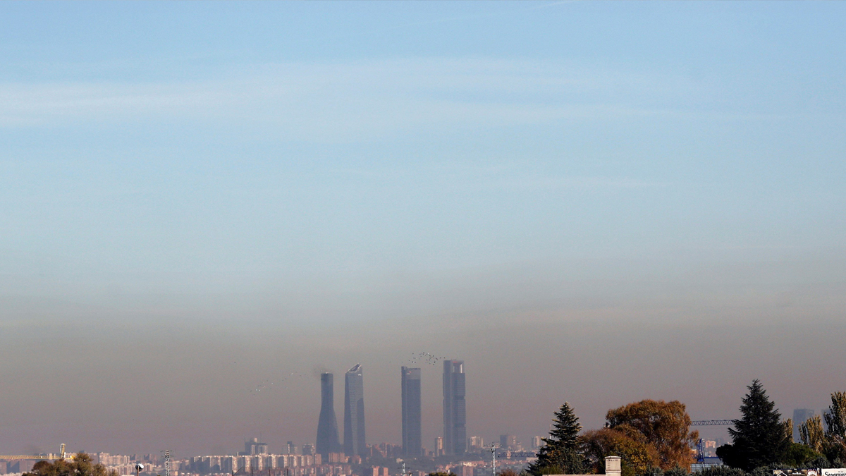 Contaminación en Madrid desde las afueras de la capital. (Foto: EFE)
