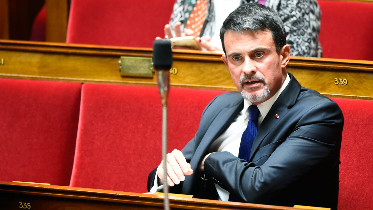 Manuel Valls, ex primer ministro francés y miembros de la Asamblea Nacional. (AFP)