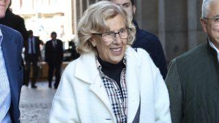 La alcaldesa Manuela Carmena visitando recientemente la Plaza Mayor.