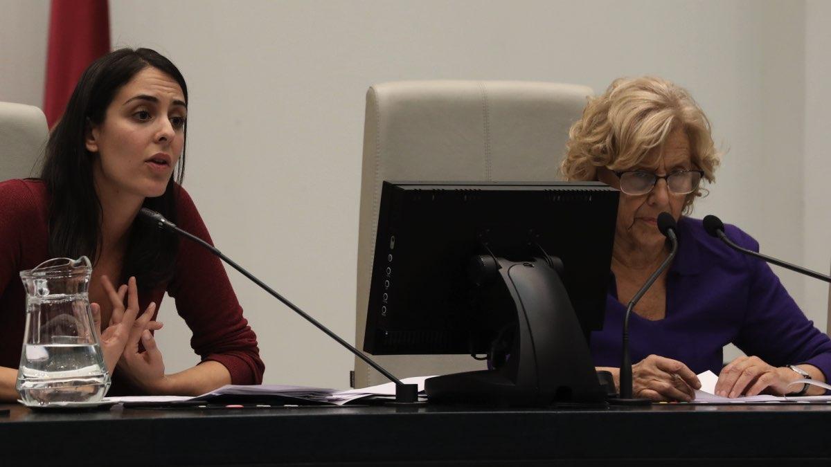 Manuela Carmena junto a Rita Maestre. (Foto: Madrid)