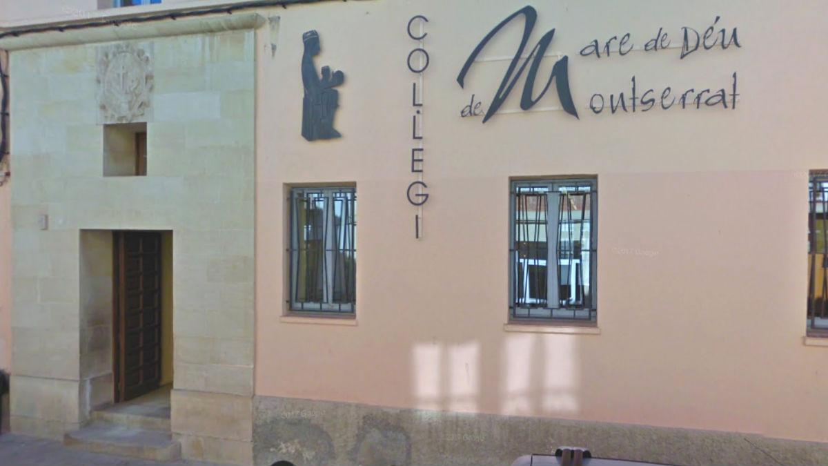 Entrada del colegio católico Mare de Déu de Montserrat