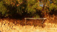 """Pintadas de """"Fuera Soraya asesina"""" en S'Agaró"""