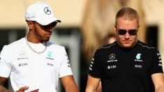Valtteri Bottas se ha quedado muy lejos del rendimiento de Lewis Hamilton, algo que debe mejorar en 2018 si quiere permanecer más tiempo en Mercedes. (Getty)