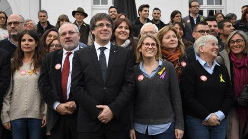 Carles Puigdemont con Elsa Artadi.
