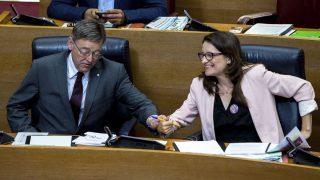 El presidente de la Generalitat, Ximo Puig, y la vicepresidenta del Consell, Mónica Oltra. (Foto: EFE)