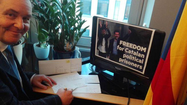 Eurodiputados nacionalistas y de ultra derecha preparan un viaje para visitar a los exconsellers encarcelados