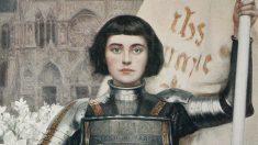 Juana de Arco también es conocida como la Doncella de Orleans.