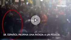 El independentista Roger Español en varias agresiones y acciones de acoso a la Policía el 1-O
