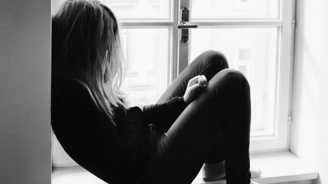 Pensamientos intrusivos: causas y cómo frenarlos