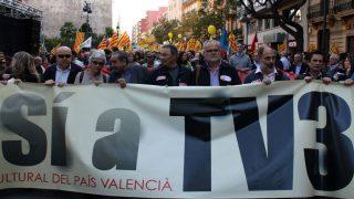 Manifestación de ACPV pidiendo la vuelta de la señal de TV3