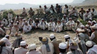 Una 'jirga' es una asamblea popular que, según el islam, rige y decide sobre diferentes aspectos de una sociedad local.