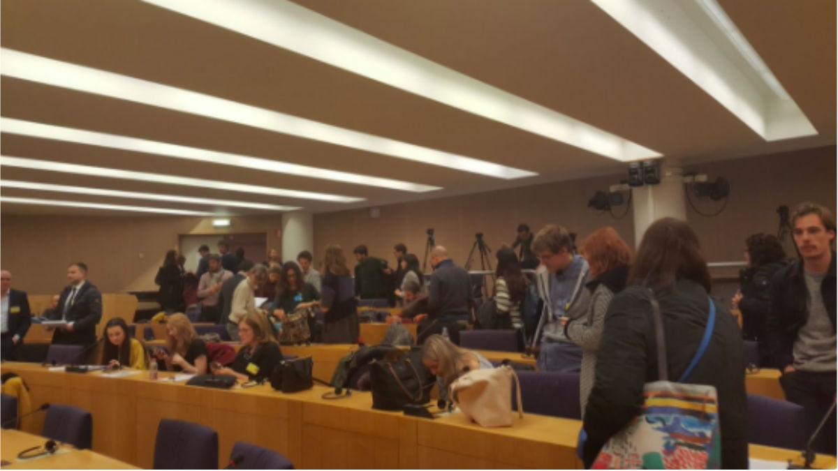 Sala de prensa en el Parlamento Europeo, esta tarde. Foto: Twitter Alberto Fernández (@Alberbel)