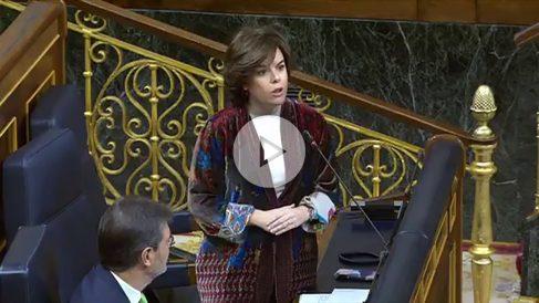 La vicepresidenta del Gobierno, Soraya Sáenz de Santamaría, en el la sesión de Control al Gobierno