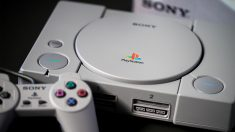 Primera edición de la videoconsola Playstation.