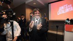 Puigdemont al entrar en el salón del hotel de Brujas donde se ha realizado la presentación de la lista electoral de Junts per Catalunya. Foto: AFP