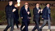 Los ex consejeros de la Generalitat Carles Mundó, Josep Rull y Jordi Turull, a su salida de la prisión de Estremera. (EFE)