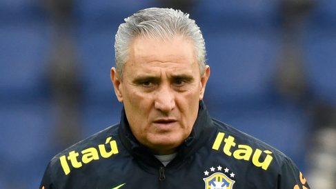 Tite, durante un entrenamiento de Brasil (AFP)