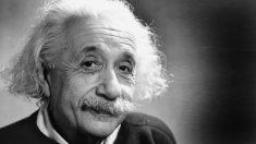 Einstein es considerado por muchos como el padre de la bomba atómica.