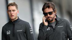 Según Alain Prost, el rendimiento ofrecido por Stoffel Vandoorne en 2017 no tiene nada que envidiar al mostrado por Fernando Alonso. (Getty)