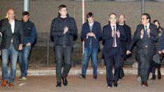 Los ex consellers Raül Romeva, Carles Mundó, Jordi Turull y Josep Rull a su salida de la prisión de Estremera. (Foto: EFE)