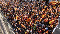 Manifestación en Barcelona el 6-D en defensa y homenaje a la Constitución. (Foto: AFP)