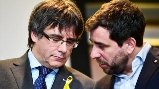 Carles Puigdemont y Toni Comín. (Foto: AFP)