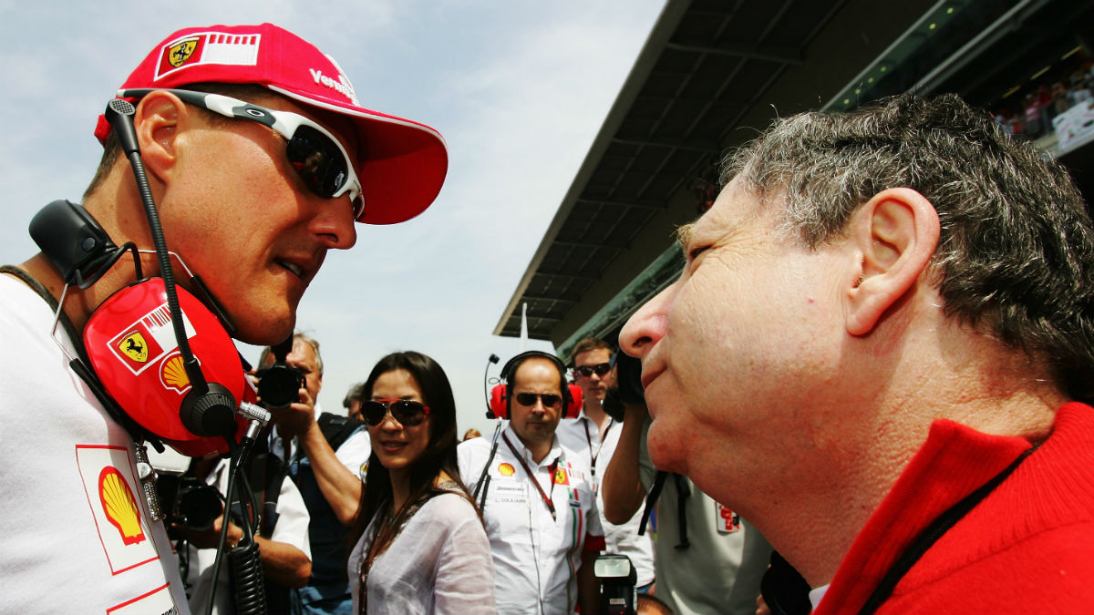 Jean Todt ha reconocido que su ex piloto y amigo Michael Schumacher sigue luchando contra las heridas provocadas por su accidente de esquí de hace ya casi cuatro años. (Getty)