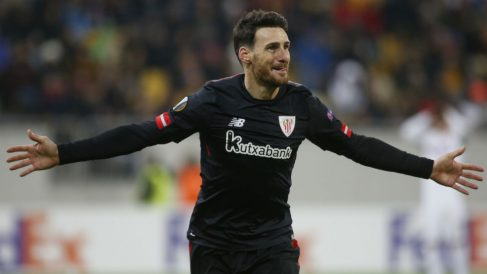 Aduriz celebra uno de los goles que le dieron el pase al Athletic. (AFP)