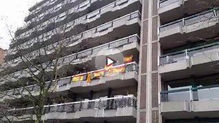Los constitucionalistas responden a los separatistas de Bruselas con la canción 'Que Viva España'