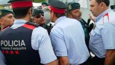 Mossos se encaran con la Guardia Civil en Castellgalí el 1-O.