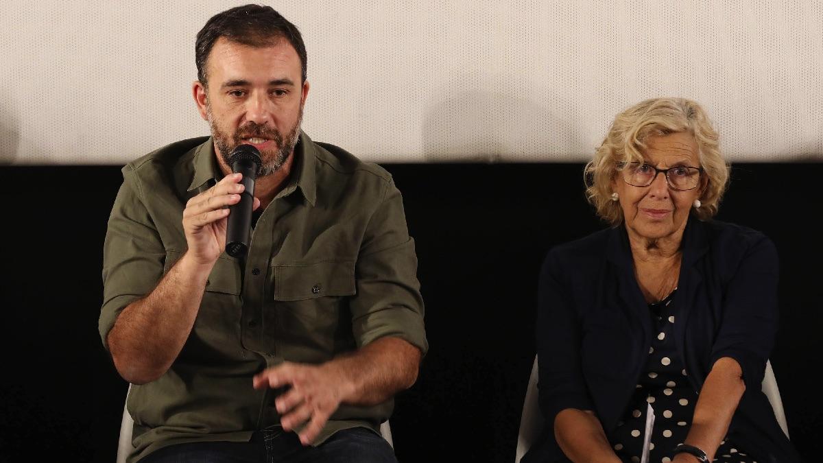 Nacho Murgui junto a la alcaldesa Manuela Carmena. (Foto: Madrid)
