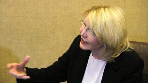 La fiscal en el exilio Luisa Ortega Díaz, durante la entrevista con OKDIARIO y la Revista Zeta en Bogotá. (Foto: E. Falcón)
