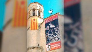 Pancarta del CDR de Vilafranca del Penedés en la iglesia de San Juan
