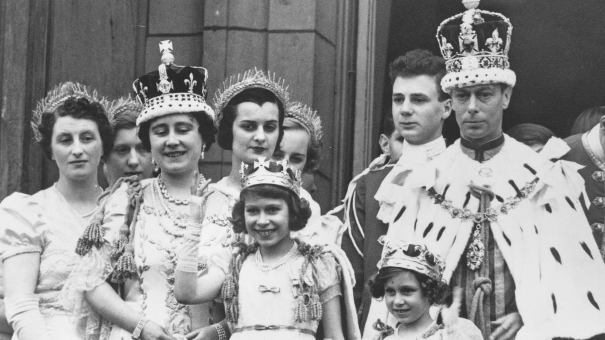 Jorge VI de Inglaterra y su familia el día de la coronación.