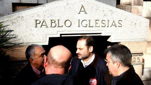 Ábalos en el homenaje del PSOE a su fundador (Foto: Efe).