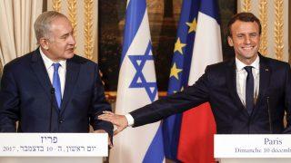 Benjamin Netanyahu y Emmanuel Macron (Foto: AFP)