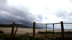 Temporal en la playa de Sabón en la localidad gallega de Arteixo (Foto: Efe).