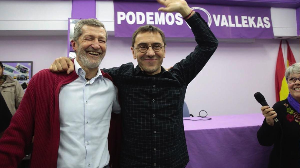 El exJemad Julio Rodríguez junto a Juan Carlos Monedero. (Foto: TW)