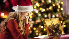 En España, esta costumbre tiene lugar tanto en Navidad, como en el Día de Reyes.