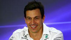 Toto Wolff ha reconocido que McLaren podría ser un rival más por el título mundial de 2018 con la llegada del motor Renault. (Getty)