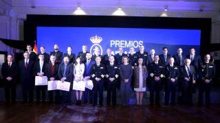 La ministra Cospedal en la entrega de premios de la Armada.