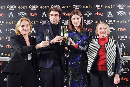 Eva Sanz, David Verdaguer, Bárbara Lennie e Yvonne Blake brindan por los nominados en los Goya 2018. Foto: Alberto Ortega –Cortesía de la Academia de Cine