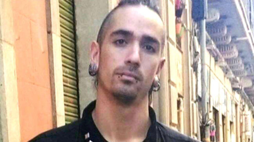Rodrigo Lanza, el okupa que ha asesinado a un hombre en Zaragoza por llevar unos tirantes con la bandera de España.