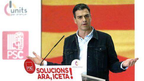 Pedro Sánchez en un acto de campaña. (Foto: Efe).