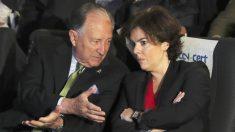 Félix Sanz Roldán y Soraya Sáenz de Santamaría. (Foto: EFE)