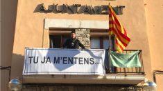 Eduardo Piera (ERC), alcalde de La Fuliola (Lérida) reclamando la libertad de los políticos presos.