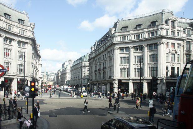 La pragmática construcción de Londres: el orden espontáneo nacido de la revolución