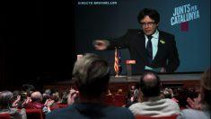 El expresidente de la Generalitat, Carles Puigdemont, interviene por videoconferencia desde Bruselas. (Foto: EFE)
