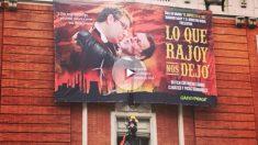 Mariano Rajoy y Álvaro Nadal como los protagonistas de 'Lo que el viento se llevó', en el cartel colgado por Greenpeace. Foto: @greenpeace